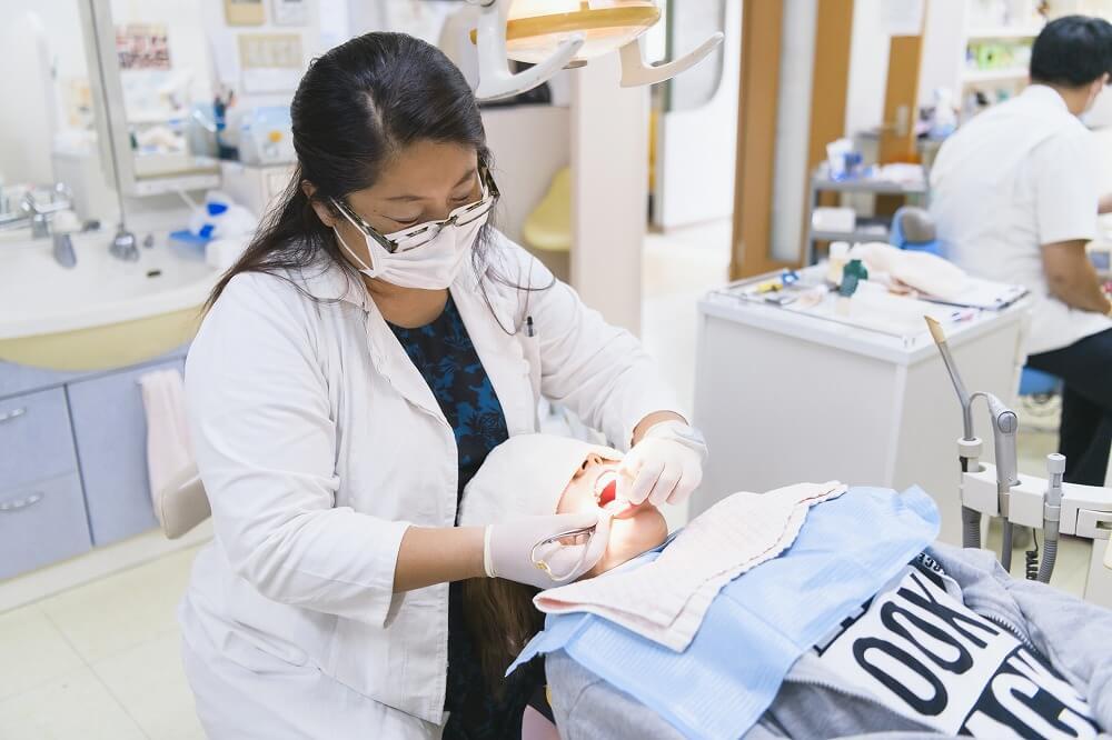 前歯に特化した矯正治療なので奥歯を動かさない